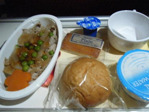 機内食 朝食(豚丼)